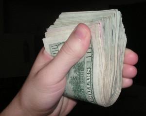 relaţia cu banii