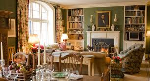 cum mobilam salonul in stil country